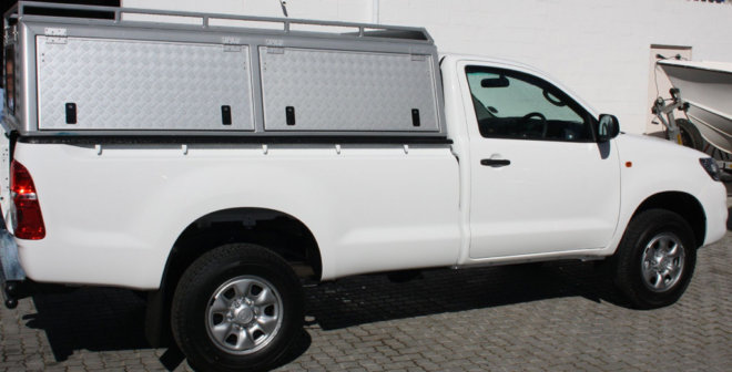 toyota-hilux-2011-single-cab-pickup-canopy-1--39-p